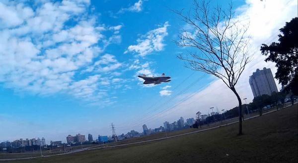 F-22藍天小風擷圖-02ce.jpg