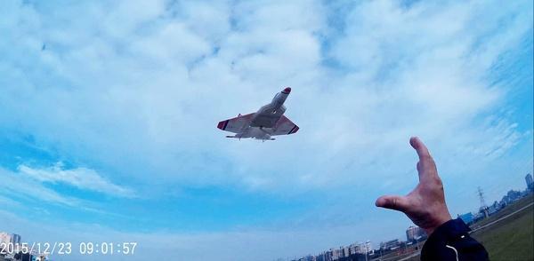 F-22藍天小風擷圖-10ce.jpg