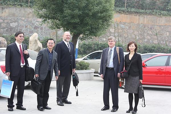 與加拿大大學一起訪問中國.JPG