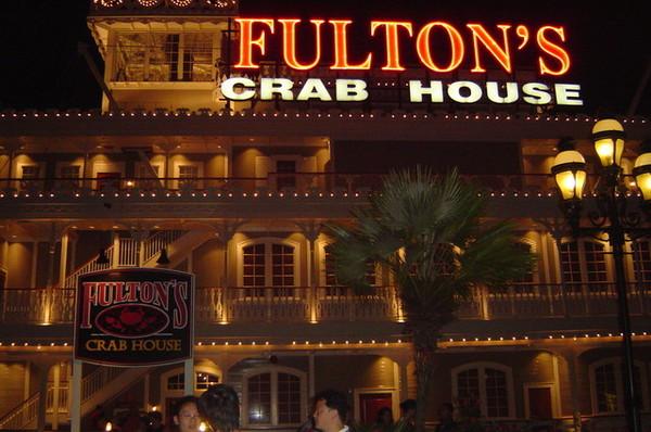 夜晚的船餐廳很美!!