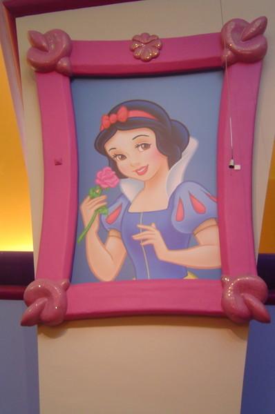 迪士尼經典公主--白雪公主