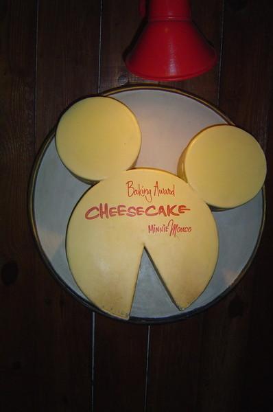 米奇連吃的蛋糕也是米奇頭!!