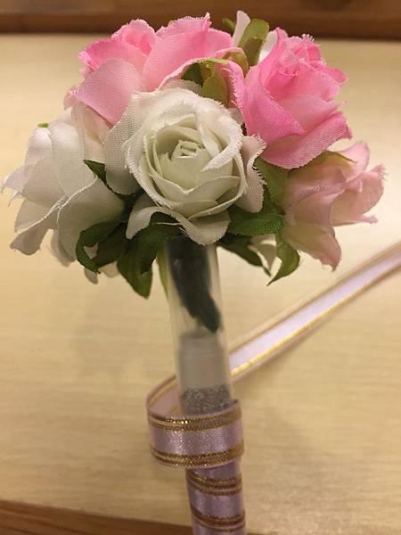 [婚禮小物]--浪漫玫瑰花球簽名筆1.JPG