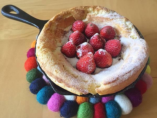 草莓口味荷蘭鬆餅.jpg