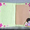 內頁有櫻花和日式和服娃娃裝飾