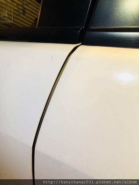 汽車男孩-車門縫.jpg