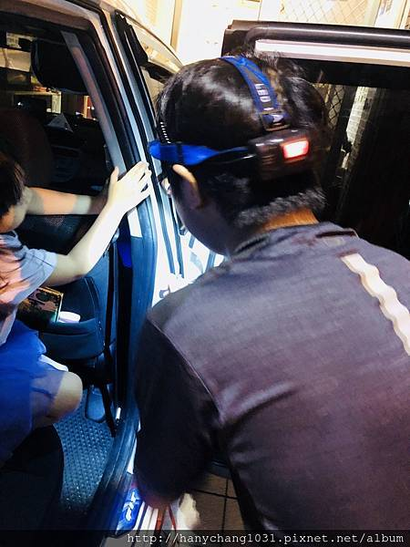 汽車男孩-妮寶監工1.jpg