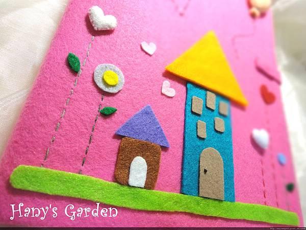 童話故事般的小屋和花