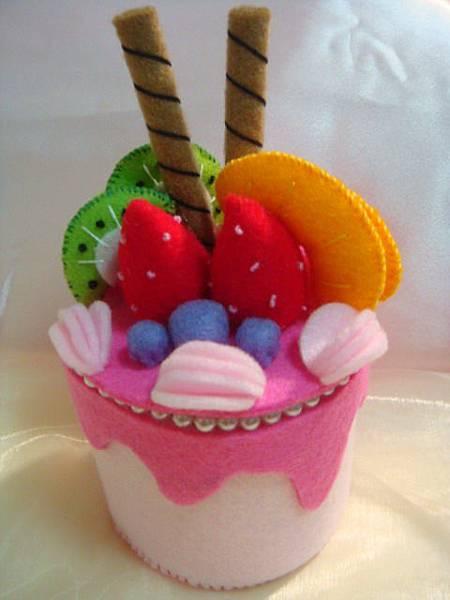 不織布草苺蛋糕