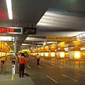 美麗島站通往橘線的月台