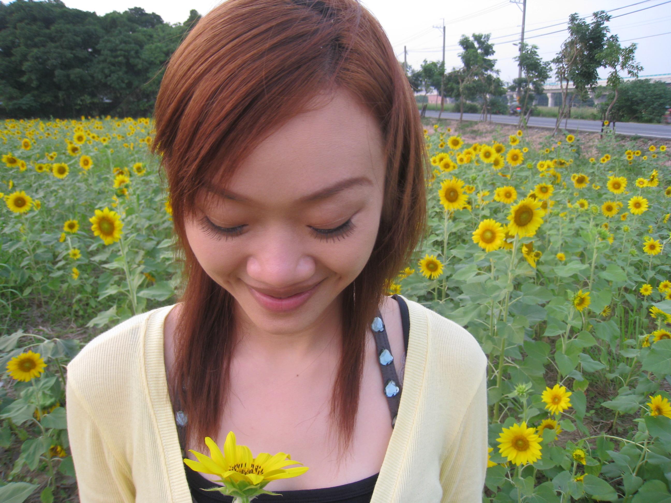看花的女孩