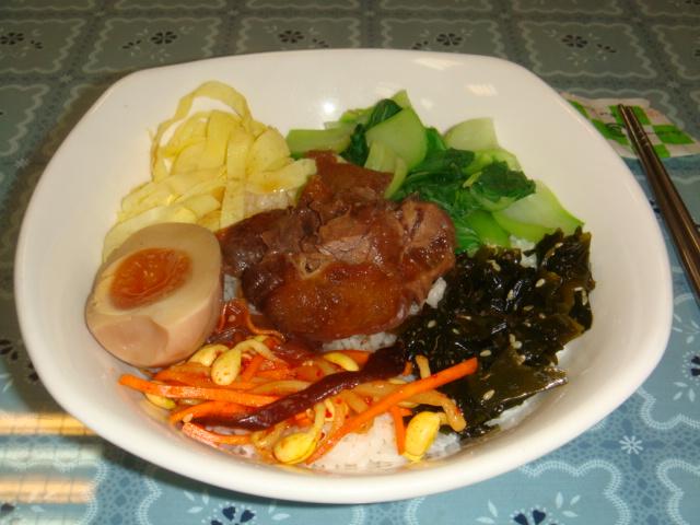 紅燒牛筋飯