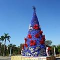 高捷聖誕樹白天景象-2.jpg