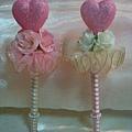 除了花球外,還有粉紅愛心