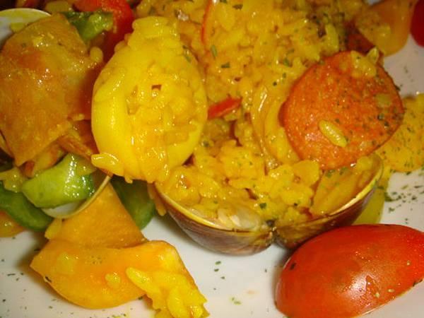 [MOJAVA]--西班牙海鮮燉飯!用料豐富