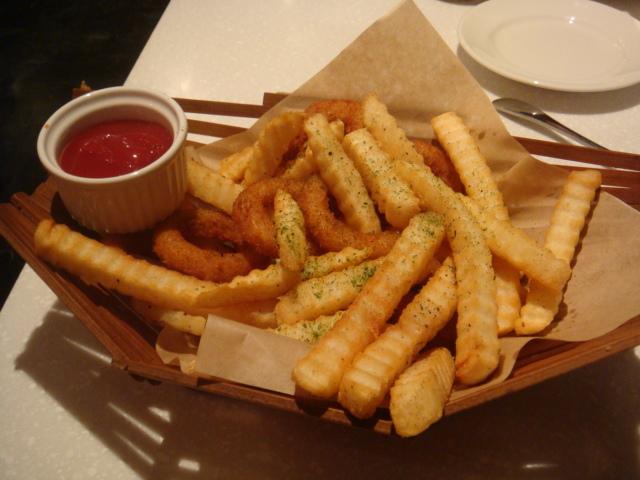 [MOJAVA]--薯條洋蔥圈拼盤