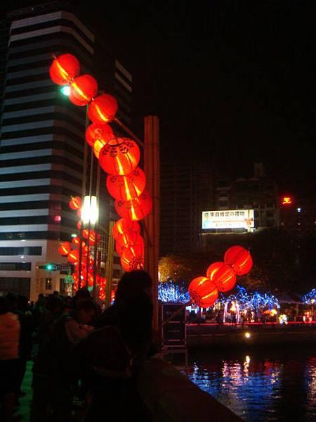 2009愛河燈會--糖葫蘆般的燈