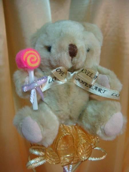 [小熊花束]--這隻很壯的熊,棒棒糖也很大隻