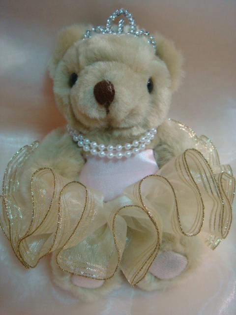 [婚禮小熊]--頭戴皇冠、珍珠項鍊的新娘小熊