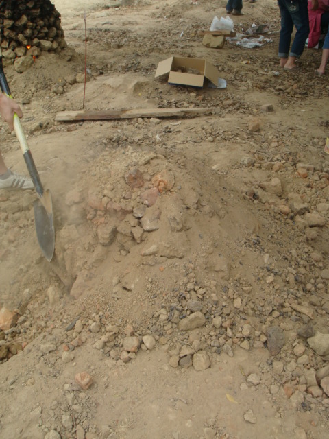 拼命的鋪滿土不能有熱氣跑出來!!