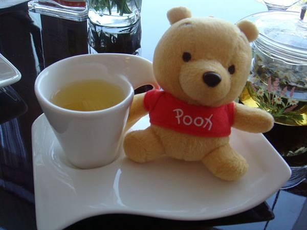 小尼喝下午茶