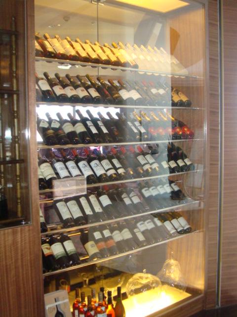 還有紅酒櫃NE
