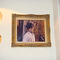 [MR.J]--我們坐的包廂裡就有周董的相片