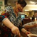 [高麗棒]--忙到老闆娘親自幫我們烤肉