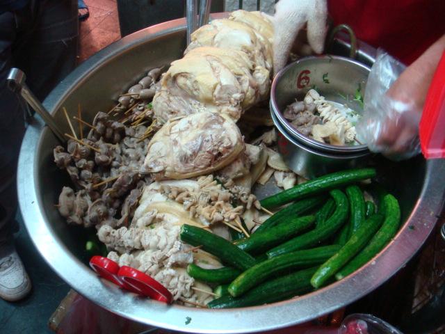 [通化街鹹水雞]--雞肉、胗、腸、小黃瓜,都很好吃!!