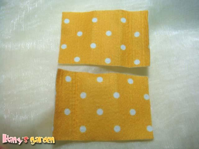 [不織布蝴蝶結髮飾]--先裁兩塊長方形的布