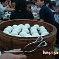 [香港蓮香樓]--蓮蓉包出爐~但我吃飽了!!