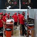 五花馬水餃館--員工鮮明的制服