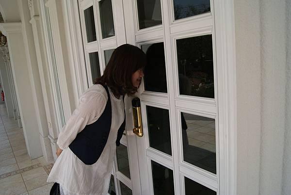 『南投的歐莉葉荷』--不能進去只好偷看