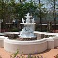 『南投的歐莉葉荷』--噴水池沒有水~