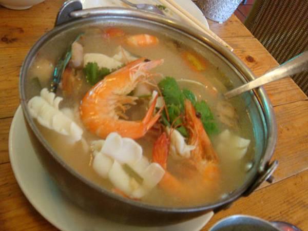海鮮湯(料爆多的!!)