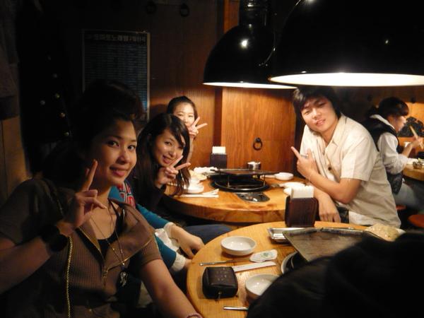 聚集了很多韓國人
