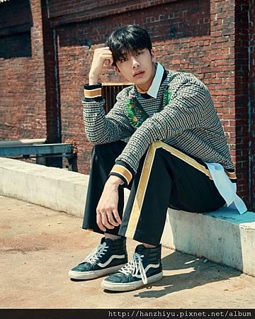 HyungWon-2.jpg