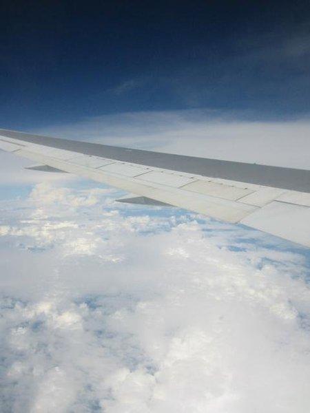 前往bali的雲端上