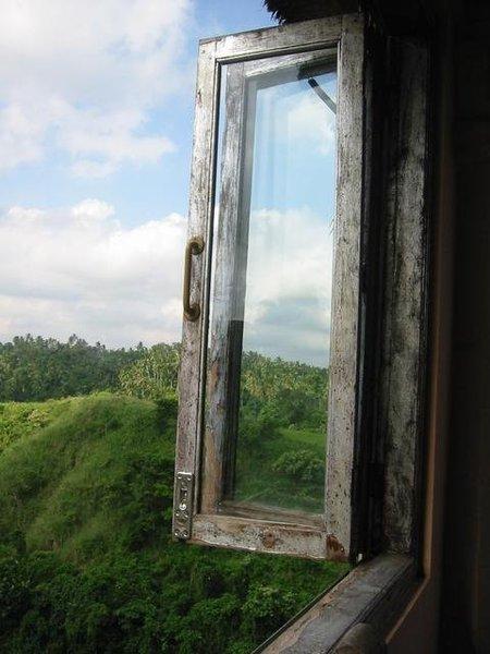 窗外,不過沒有人跳樓