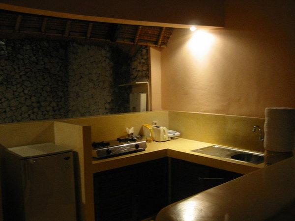 這是廚房,我們只用來煮泡麵