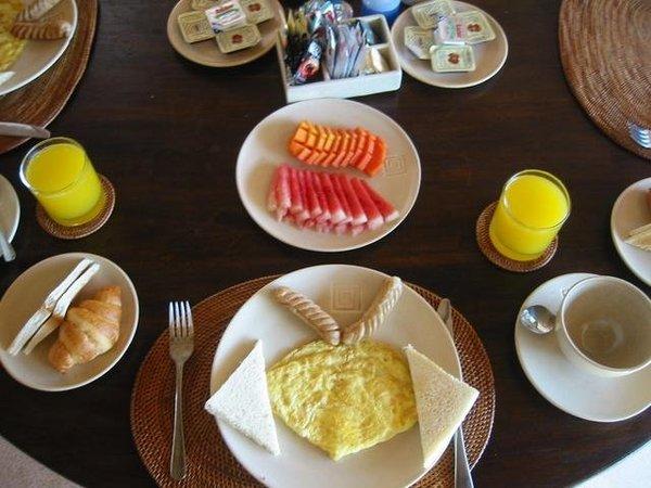 這是villa專人做的早餐成品,不過吃起來普普