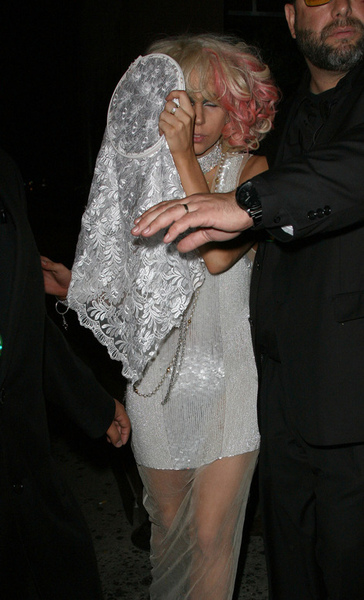 lady_gaga_drunk_3thumb.jpg