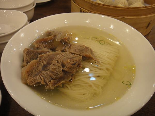 鼎泰豐元盅牛肉麵