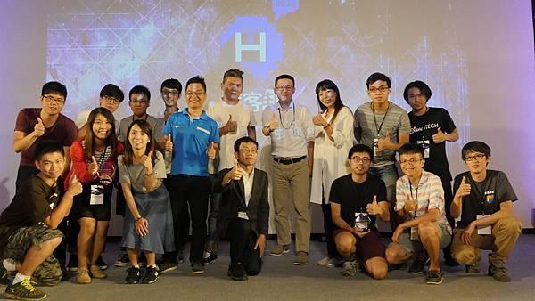 2016 PIXNET HACKETHON大合照.JPG