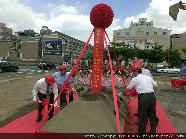 FA2A05 動土沙堆紅龍柱施作-3.jpg