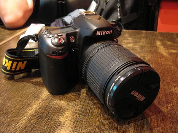 這台就是他的傢伙-單眼相機