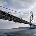 是目前世界上跨距最大的橋樑及懸索橋