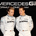 Mercedes-GP 圖右車神Michael-Schumacher 及 Nico-Rosberg.jpg