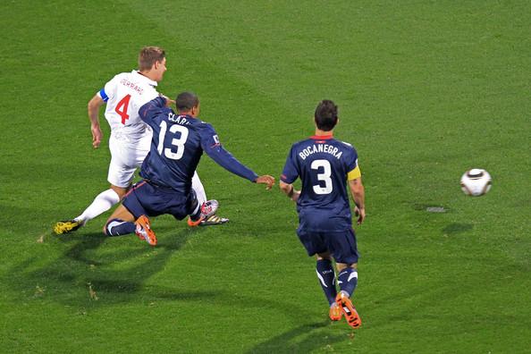 2010.6.12英格蘭隊長 4號Gerrard 射進第一球.jpg