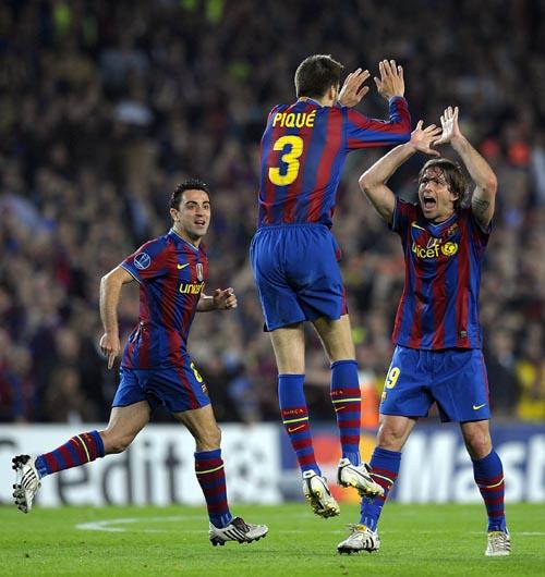 20100429 巴薩 3號 Pique 84分鐘 終於踢進全場唯一進球.jpg